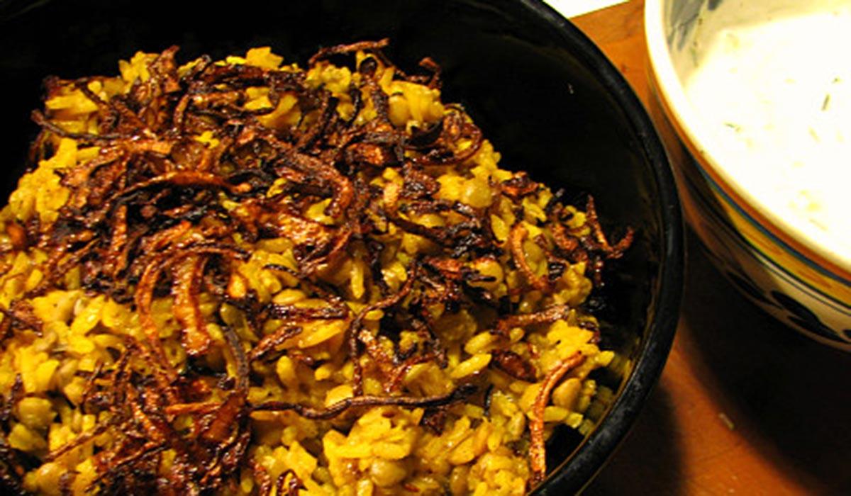 Lentejas pardinas con arroz, comino y cebolla