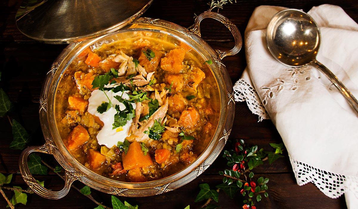 Sopa de lentejas pardinas, calabaza y soja